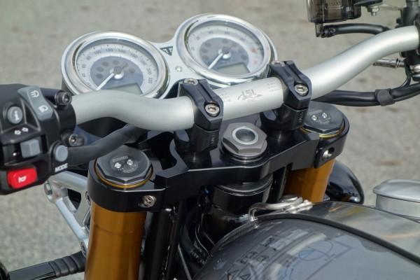 Thruxton Superbike Kit