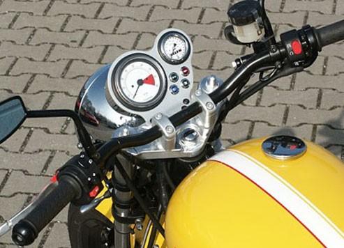 Umbaukit Thruxton Vergaser auf SuperbikeLenker