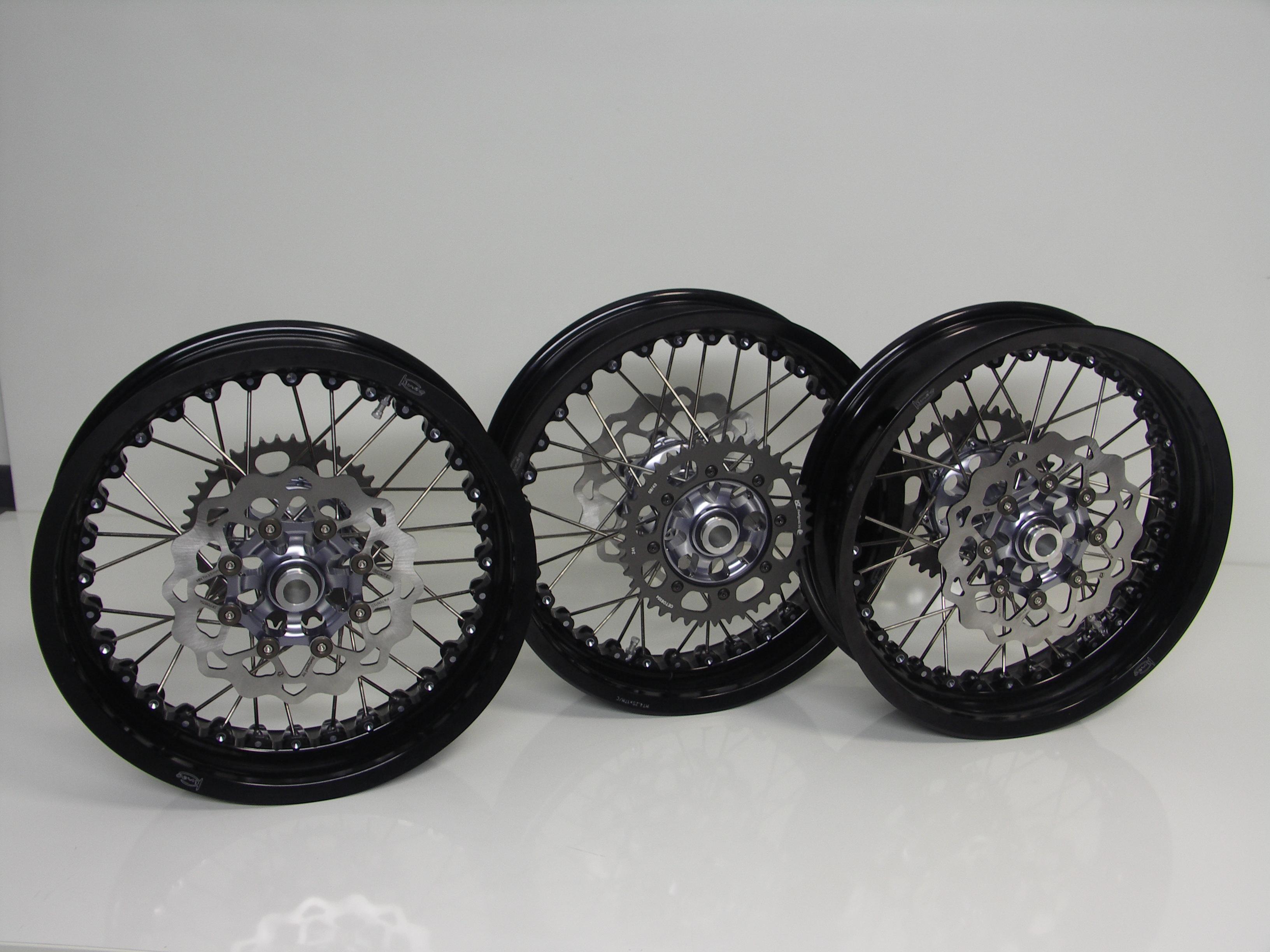 Kineo for Thruxton Wheels Wheels & Footpegs