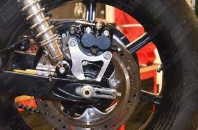 Versatzplatte für Hinterradbremse
